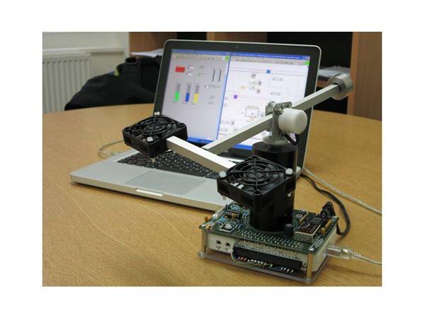 Hình 6: Dùng myDAQ để mô phỏng HIL tại trường Đại học Sheffield (Anh)